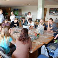 Alumnos y profesores Erasmus+ en faena